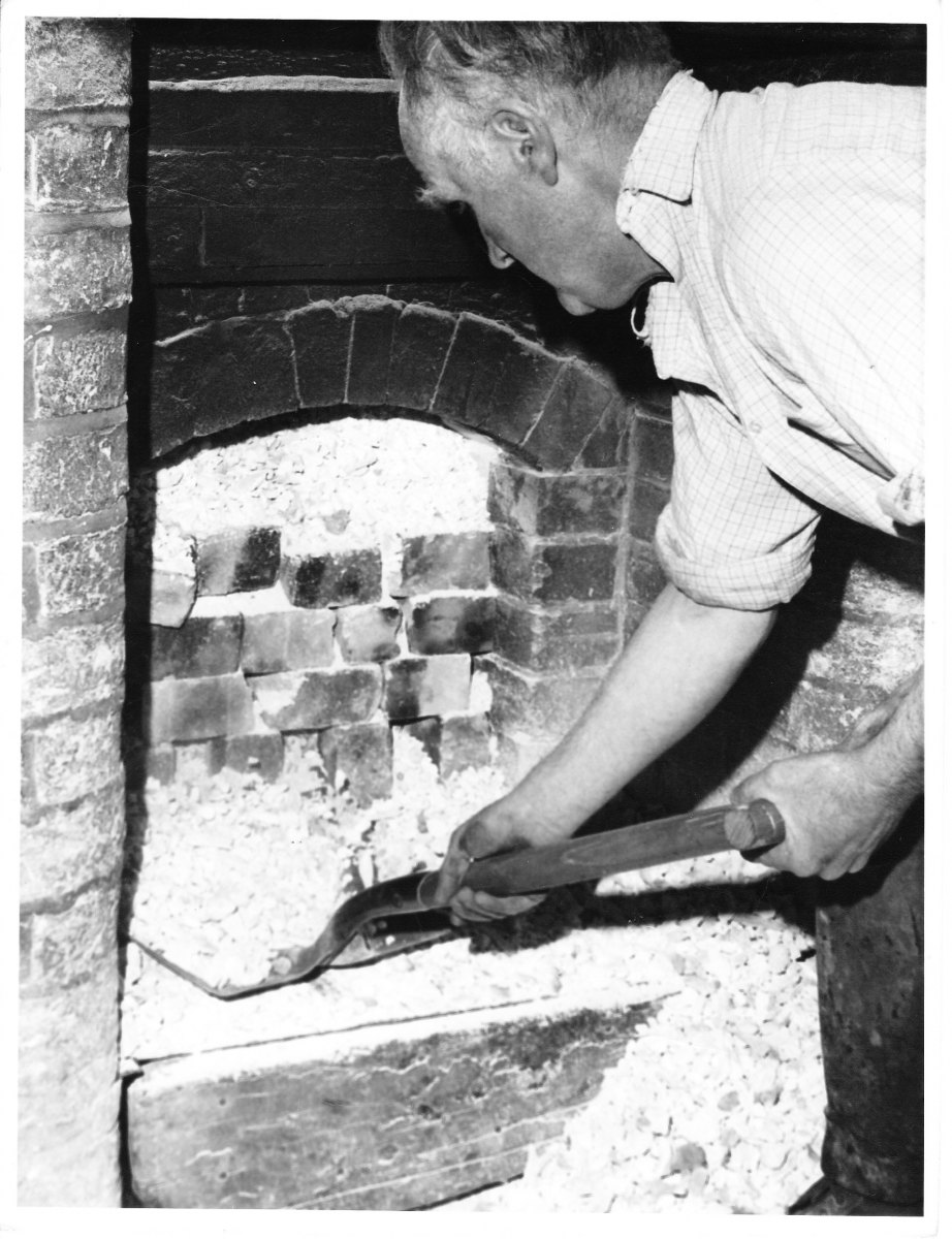 DRAWING THE KILN 15th May1972