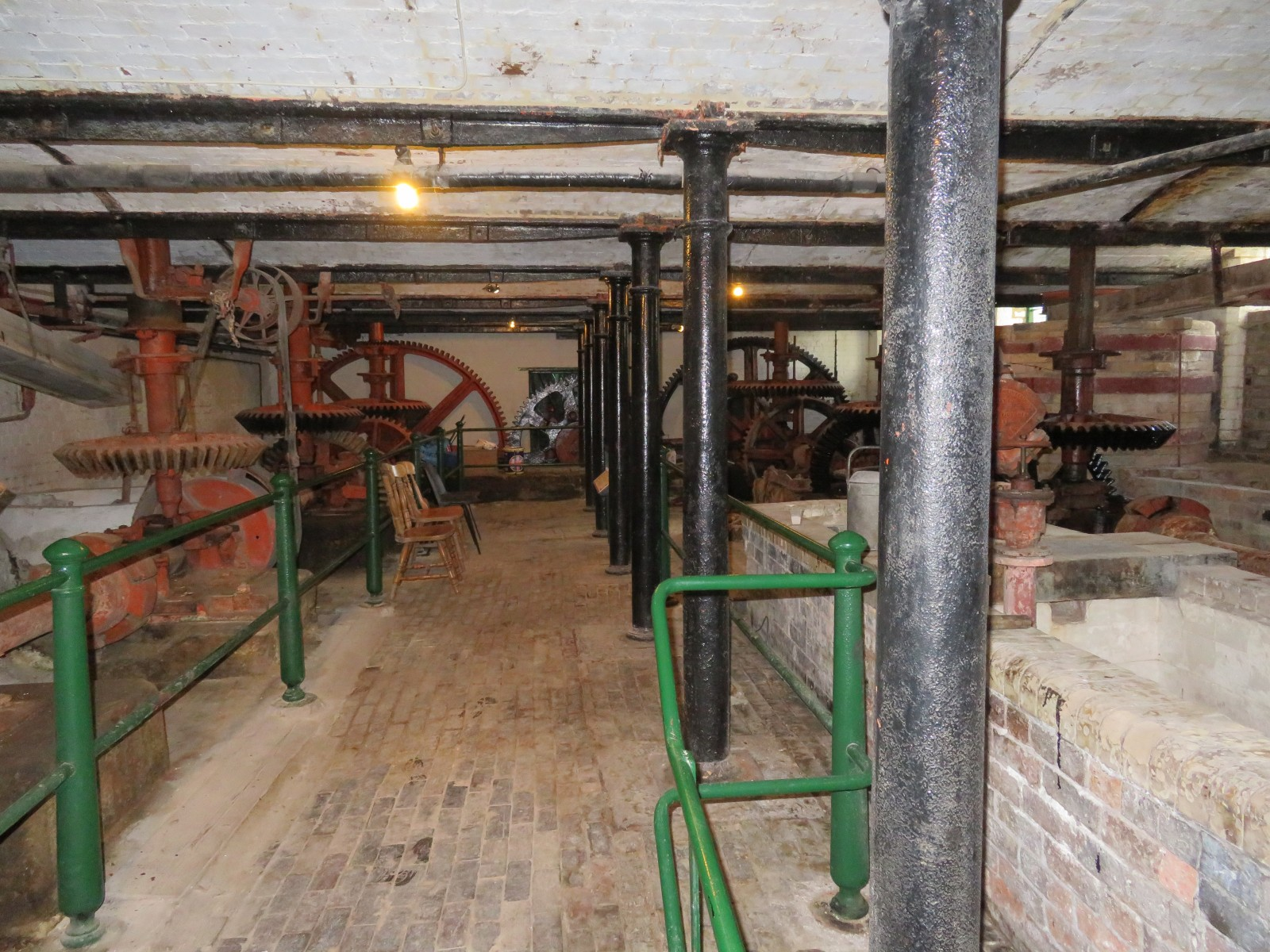 MILL GEAR ROOM AND SETTLING ARKS