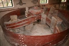 GRINDING PAN