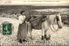 Sur la cote Normande - Le transport des galets (the transport of pebbles) early 1900s