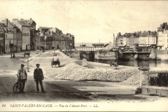 Saint-Valery-en-Caux  Vue de l'Avant-Port  (Flints on the wharf) early 1900s